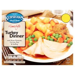 Kershaws Homestyle Turkey Dinner with Roast Potatoes, Carrots, Peas & Stuffing 400g